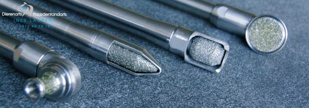 Werkwijze: deze 4 koppen worden gebruikt om de tanden elektrisch te raspen.